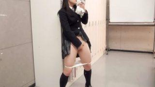 【JKオナニー】大好きな人の体操服の匂いでマ●コを擦る思春期女子生徒