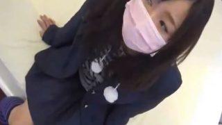 【個人撮影】細身の素人制服ちゃんと円光生挿入 マスクで顔を隠すJK少女とロリパンツ