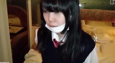 【個人撮影】普通科な正統派制服少女の無毛な小さいアソコに生ハメするマン
